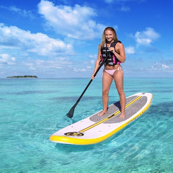bermain Paddle Board di pulau macan kepulauan seribu jakarta