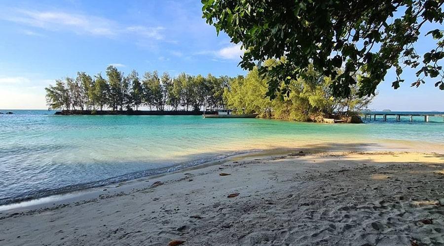 berlibur ke Pulau Kotok