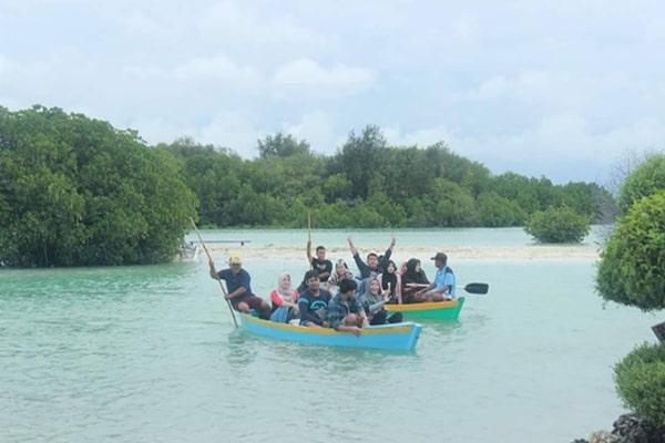 tour pulau pari keliling taman mangrove