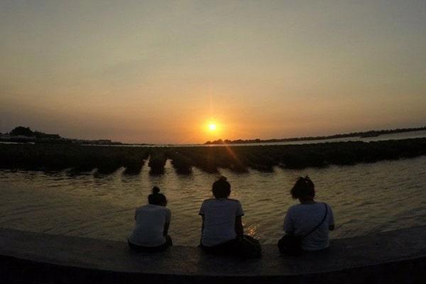wisata pulau hadapan menanti sunset