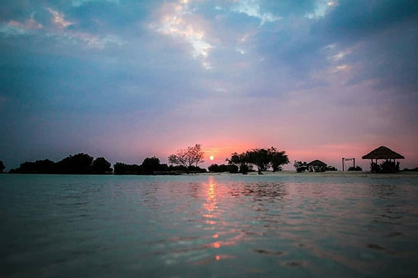 wisata pulau pari menanti sunset